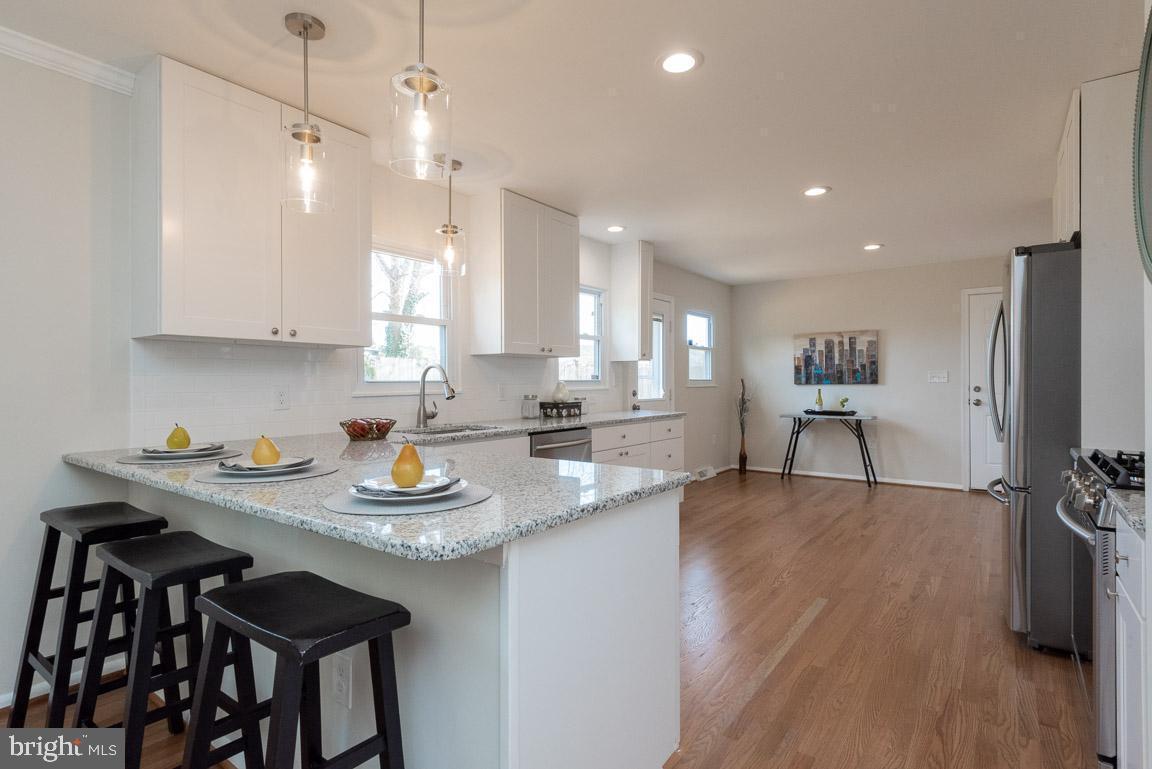 1315 McKinley kitchen 1.jpg