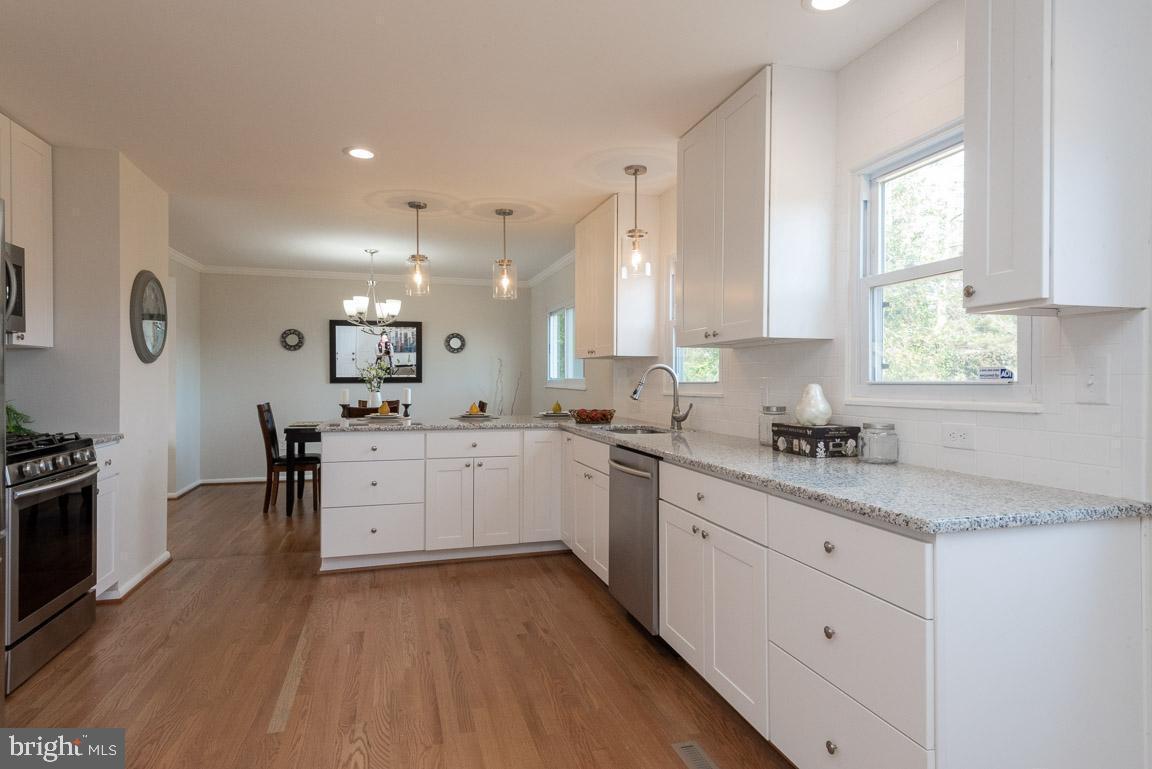 1315 McKinley kitchen 3.jpg