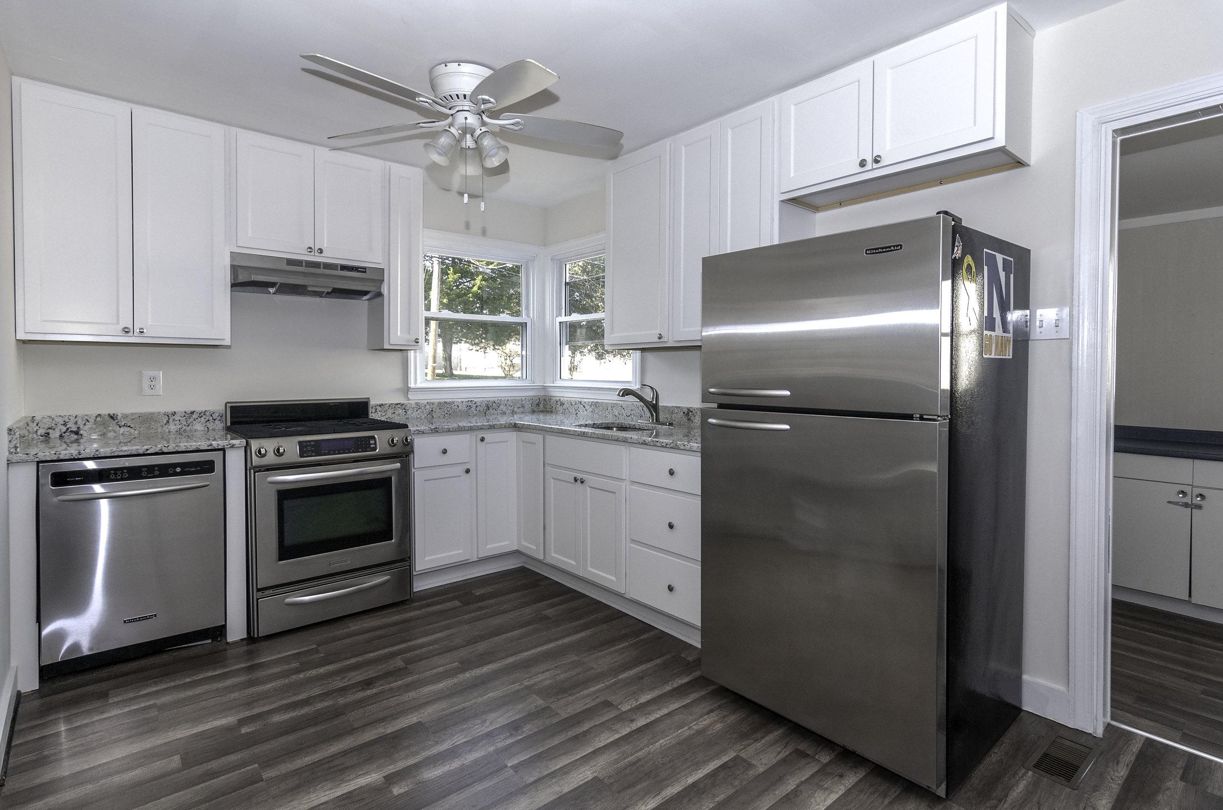 president kitchen 1.jpg