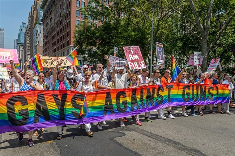 160810_gays_against_guns_36a7a0dade1a7e0f6a2eb97c97953064.fit-760w.jpg