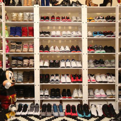 THE PLIGHT OF THE FEMALE SNEAKERHEAD -