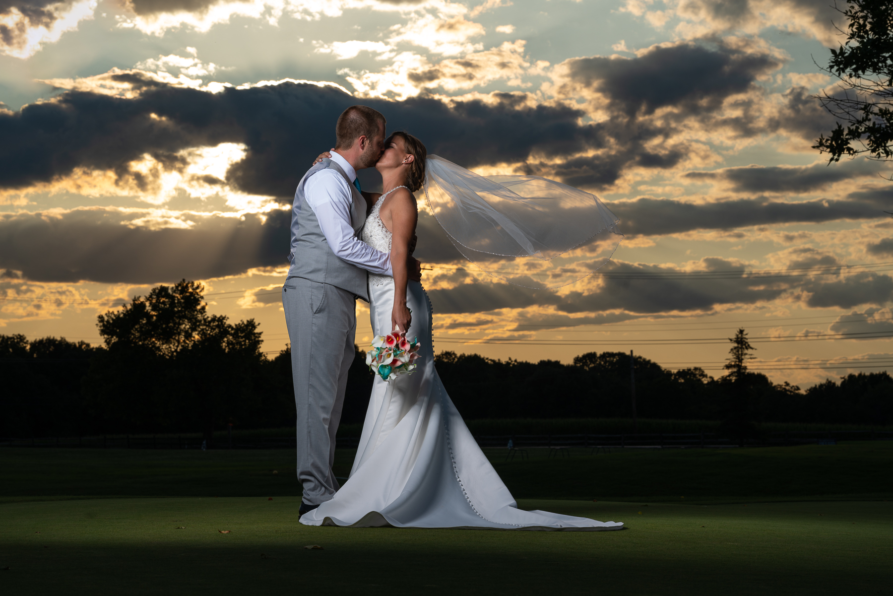 Stunning sunset for Wedding Photos at the Bridges Golf Course in Abbottstown, PA