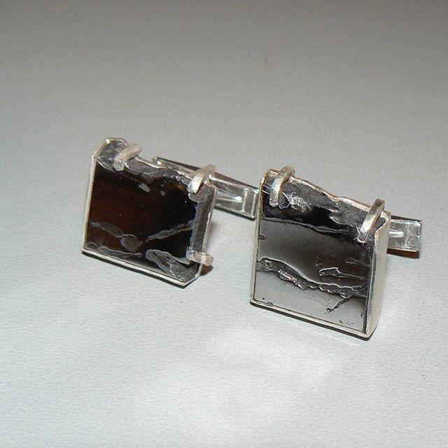 Meteorite cuff links.