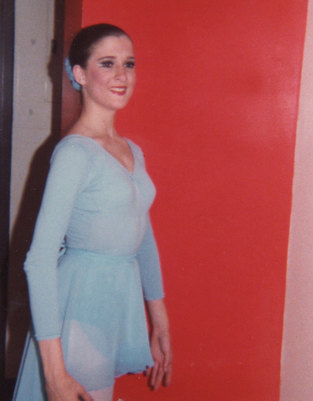 zouRA O'NEILL BACKSTAGE AT SAN FRANCISCO BALLET'S STUDENT SHOWCASE, 1981