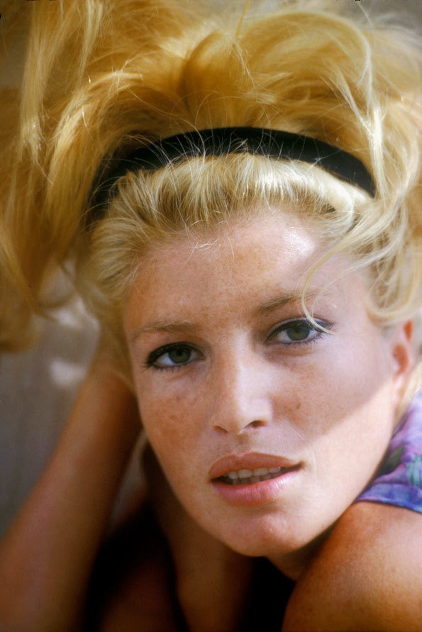 'I don't represent anything, I am the representation.When representation ends, to me reality ends' - Monica Vitti