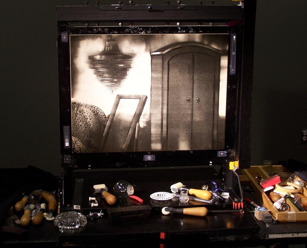 L\'écran d\'épingles et les outils de Michèle Lemieux