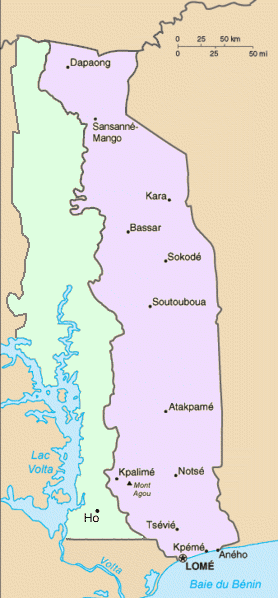 British (left) and French Togoland. The land to the west of the green-highlighted territory was granted to the Gold Coast by the treaty. After the dissolution of German Togoland, the Gold Coast absorbed the green territory.