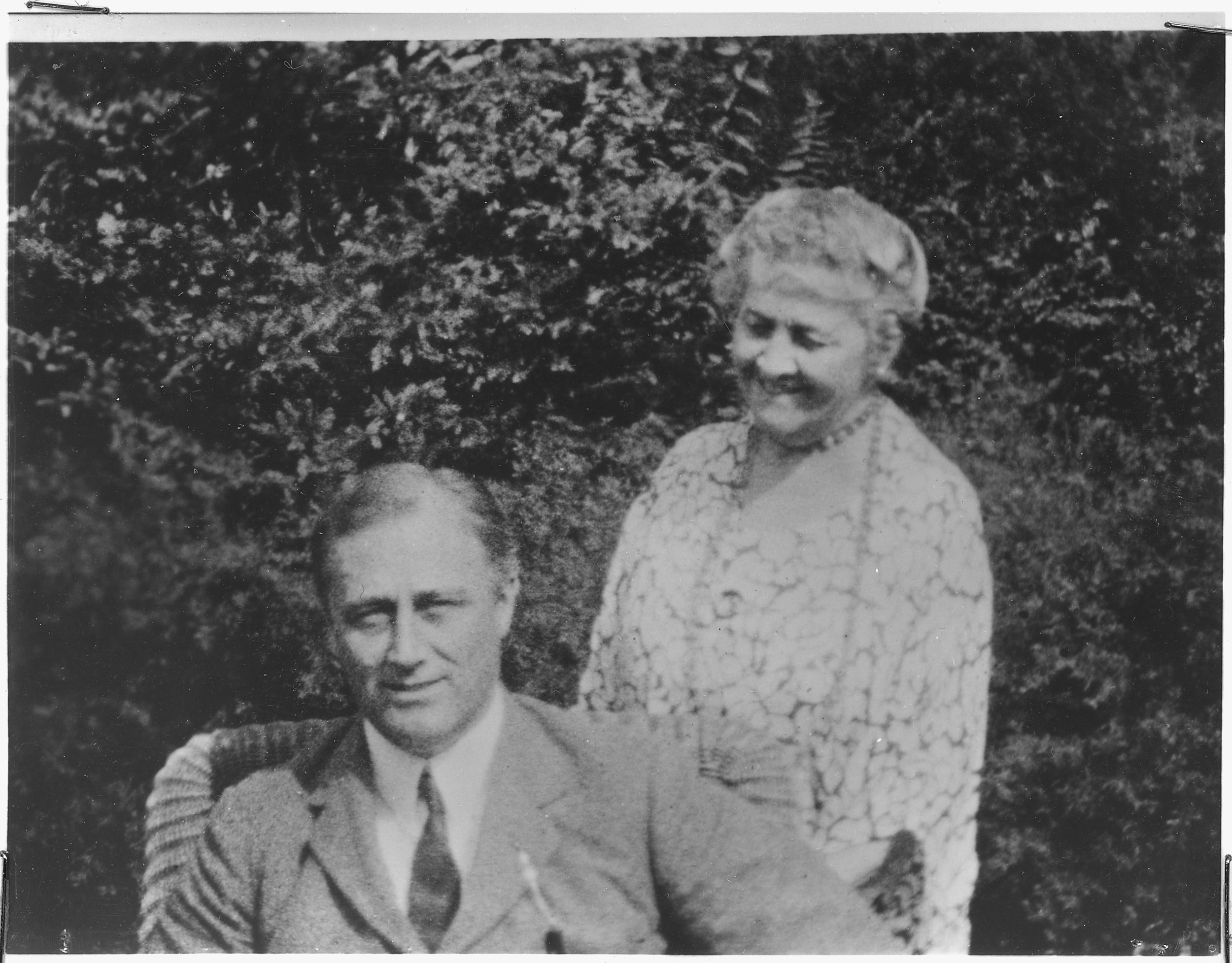 FDR & Mom (Photo:  NARA/Wikimedia Commons )