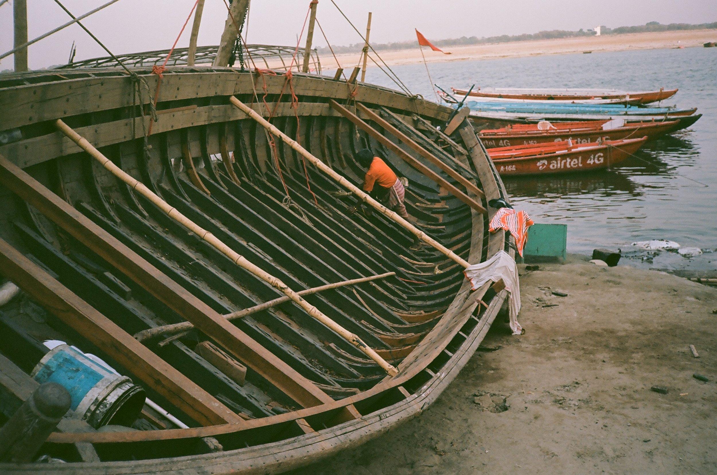 Varanasi_india_eagertourist.jpg