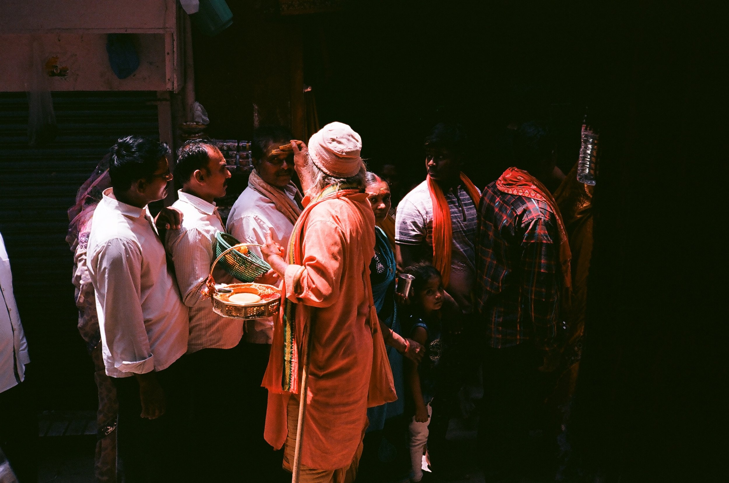 Varanasi_india2_eagertourist.jpg