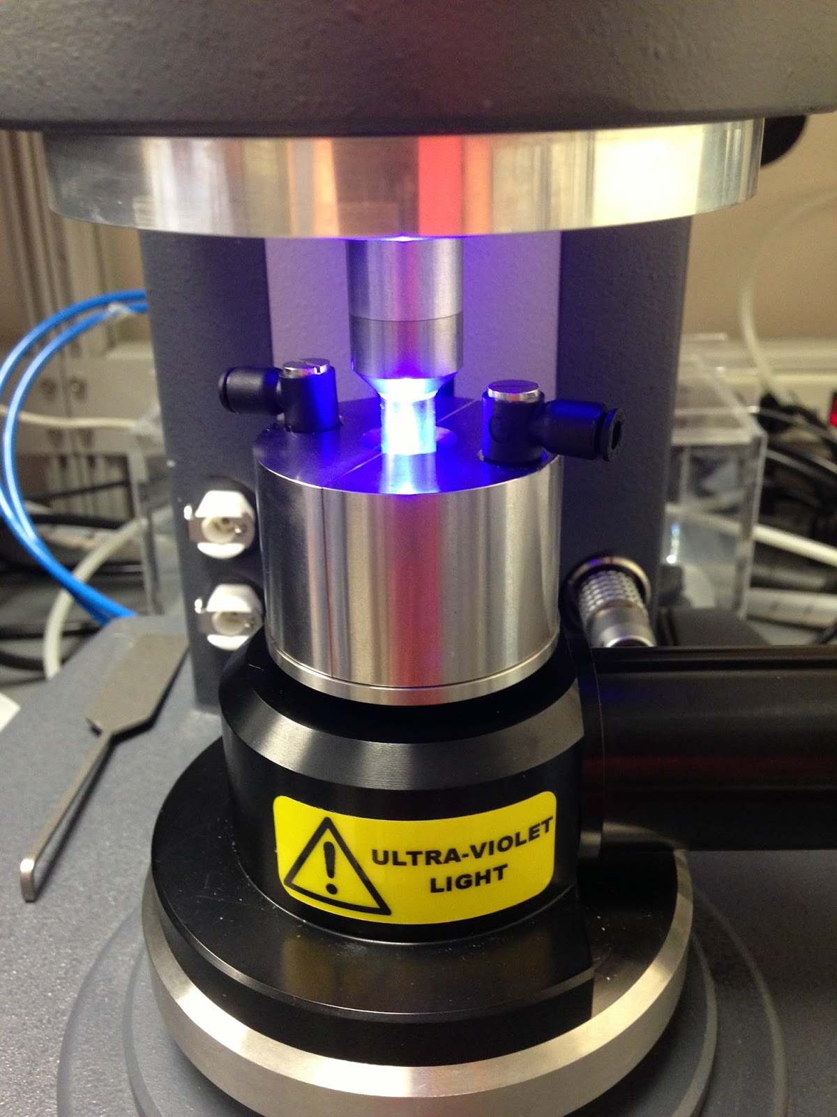Testing materials with a photo rheometer