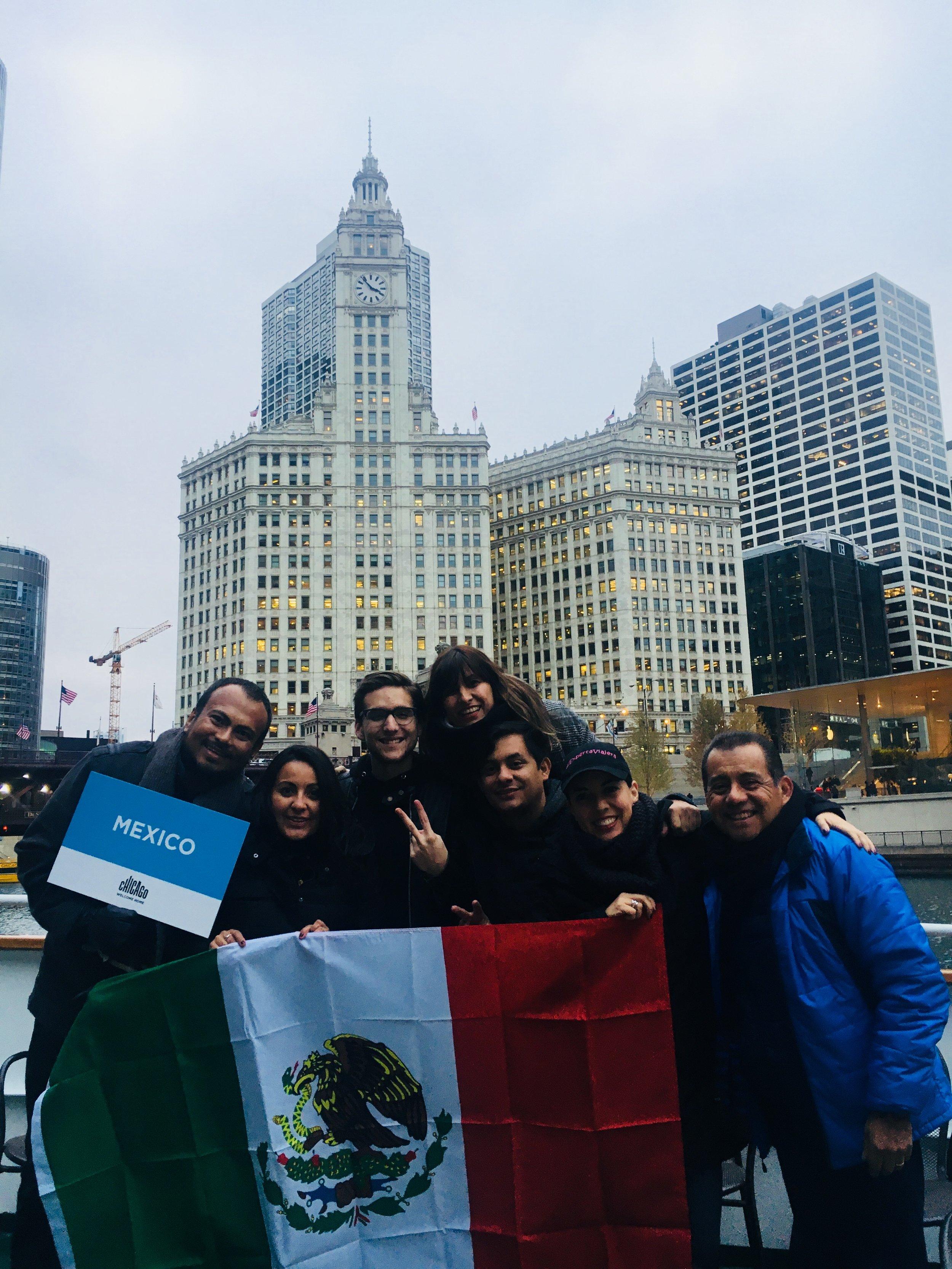 El equipo de influencers de México en Chicago para el Global Influencers Fam de #ChicagoHome