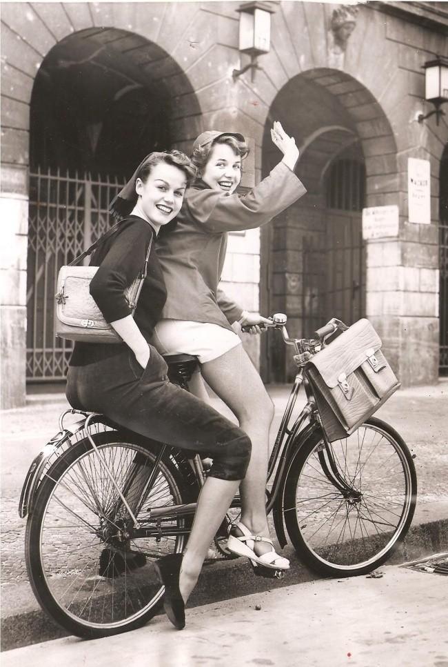 Mujeres en bici.jpg
