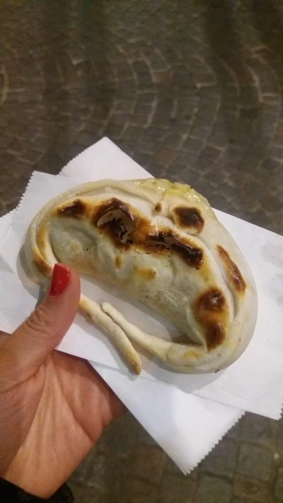 Empanada clásica en Panadería de Palermo.