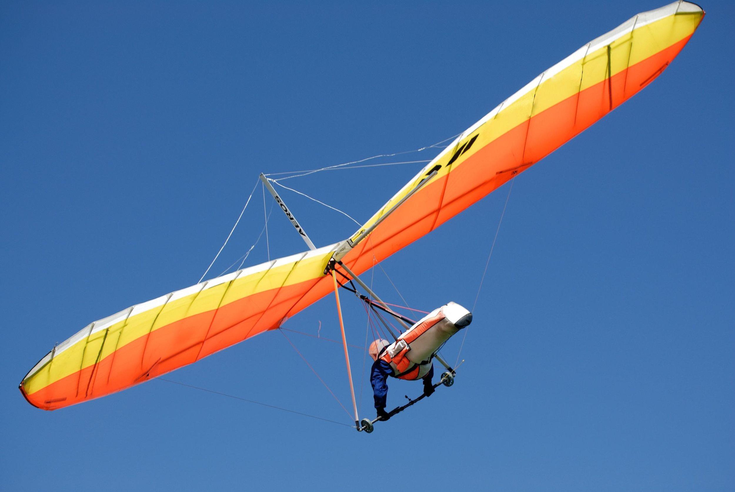1063848_hang-glider.jpg