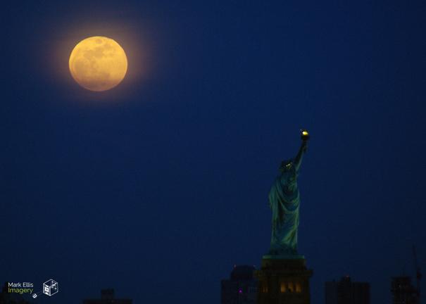 Liberty Moon 15x21 sml cprt.jpg