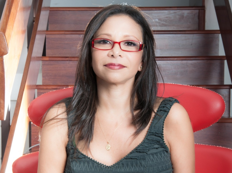 Ibéyise Pacheco - Journalist - Writer