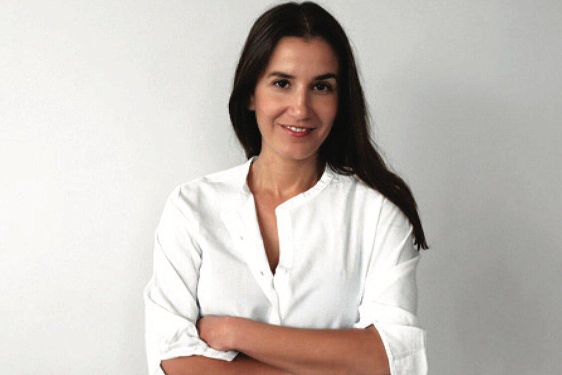 Isabel M. Bustos - Writer