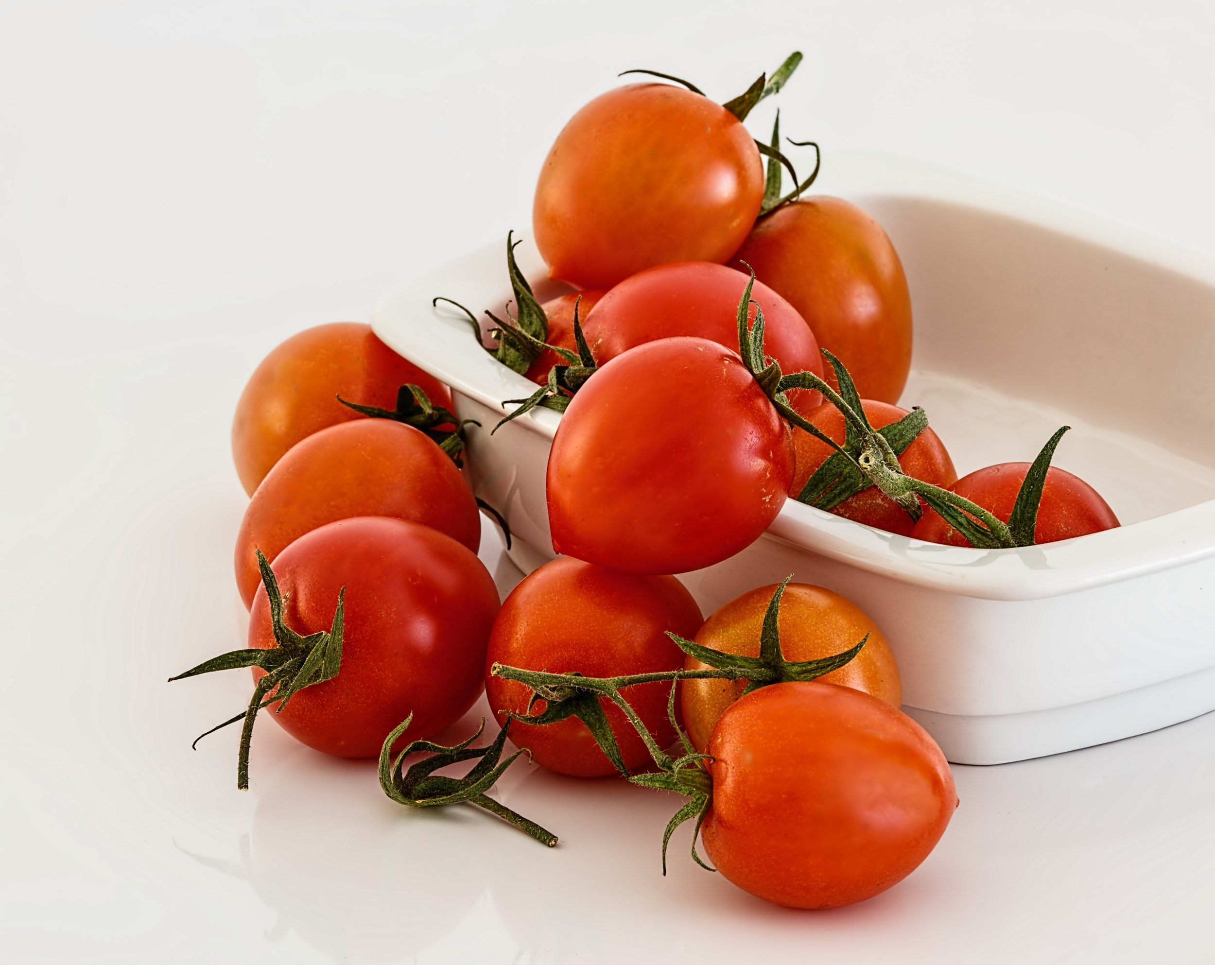 Tomato  Controls blood pressure and scrubs arteries clean. Sauces made with tomatoes (BBQ) and ketchup help keep brittle bones at bay.