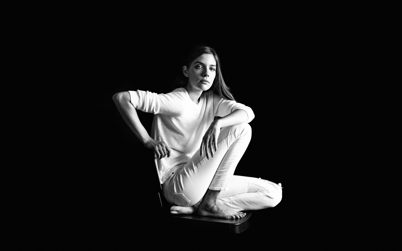 17_Jennifer_Arizona_Low_Key_Portrait_Mamiya_RB67_Ilford_HP5_Copyright_Taylor_Noel_Photography.jpg