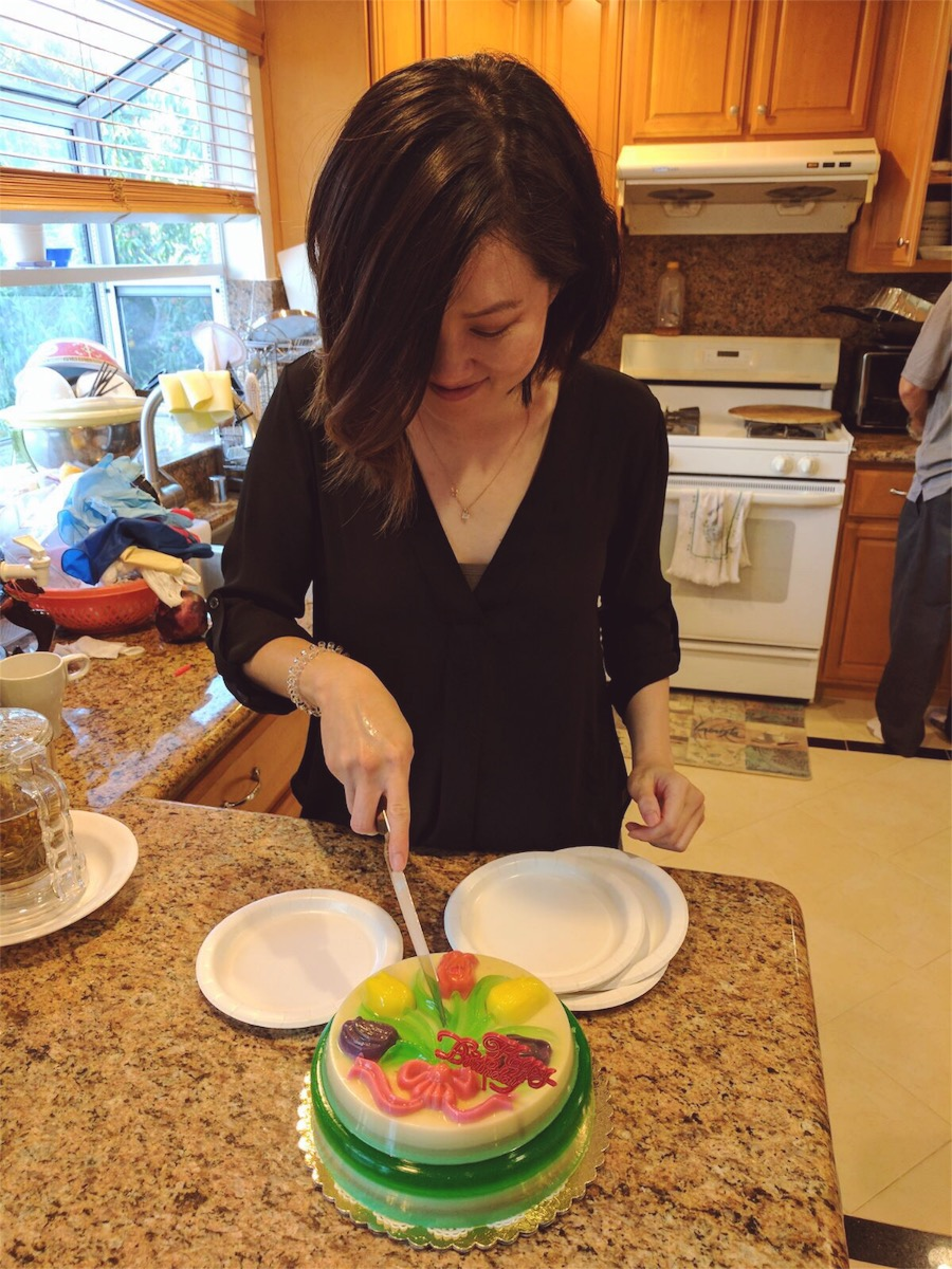 Jello Cake - If you don't like sweet cakes, then get a vietnamese jello cake. These are so good! Thanks mom & dad! <3