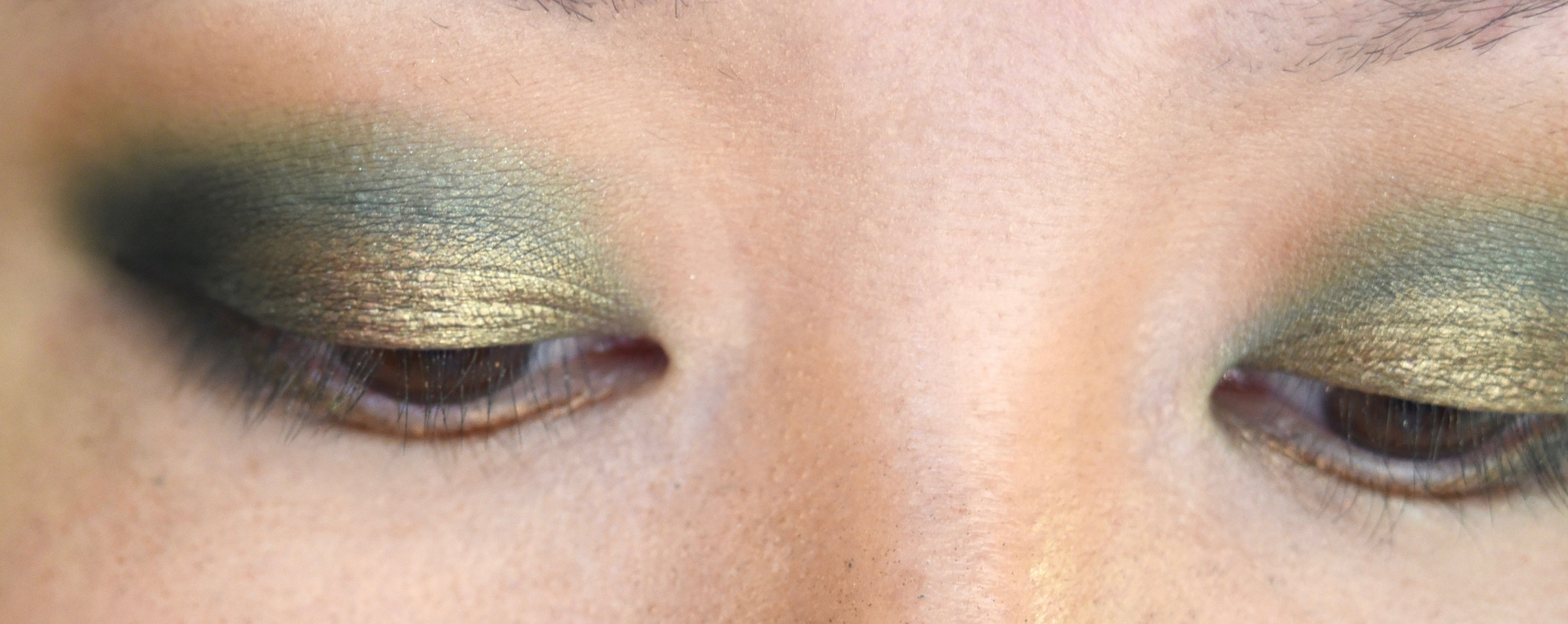 Sprayed some fix+ and reapplied gold shimmer to get more intensity