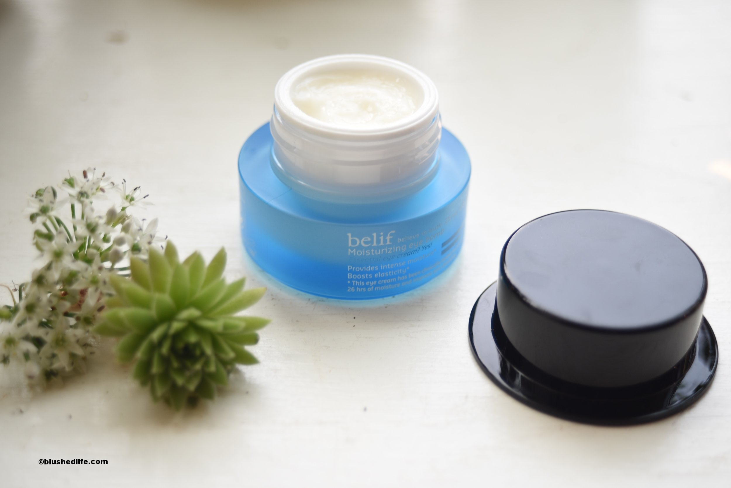 Belif Moisturizing Eye Bomb Review_DSC_8652.jpg