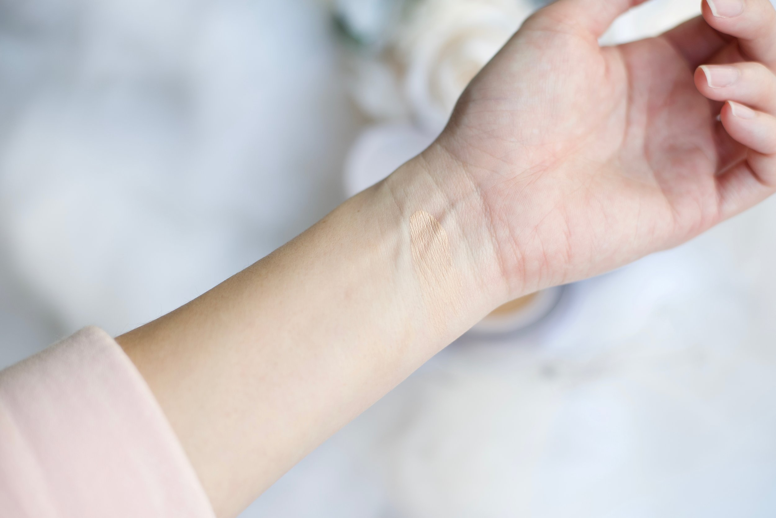 Hera UV Mist Cushion Dry Skin Acne Skin Review_DSC_3636.jpg