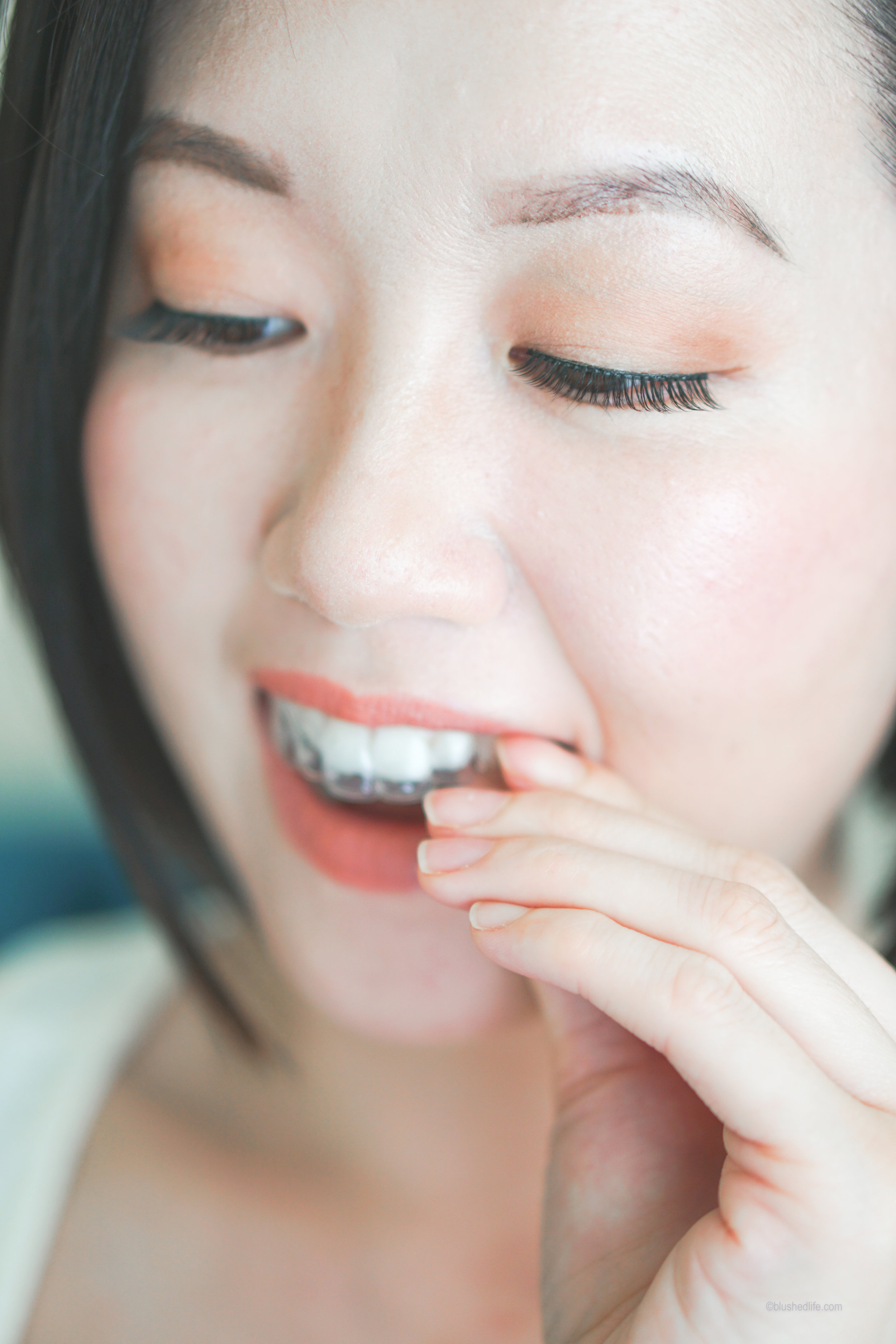 How To Whiten Sensitive Teeth At Home_Smile Brilliant Review_DSC09257-2.jpg