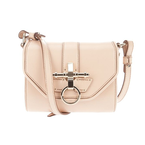 11.11.14-Givenchy-Glamour-BlogPost_500(W)x500(H)px_03.jpg