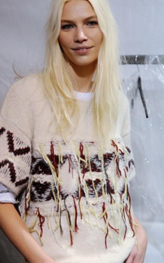 11.09.15-Isabel-Marant-Navajo-Girl-BlogPost_750(W)x1125(H)px_02.jpg