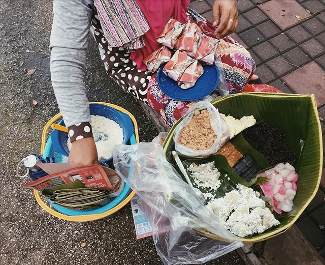 Jajanan Jawa - Javanese snack (Gethuk, Tiwul, Sawut). Popularly consumed for breakfast and remain one of the cheapest breakfast options out there. ⠀ ⠀ #breakfast #foodie #culinary #travel