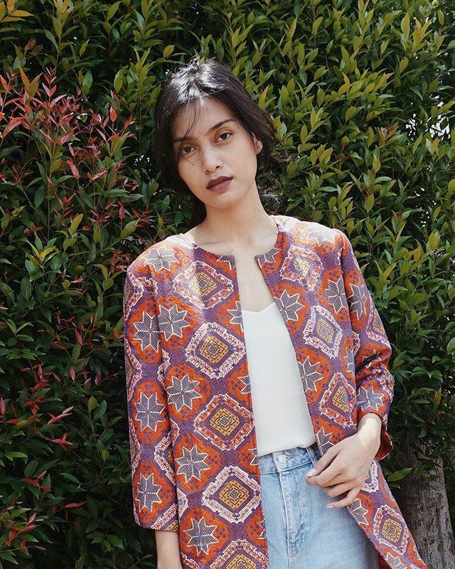 Pekalongan Blazer to brighten up your closet  #slowfashion #handmade #handwoven #fashion #travel #fairtrade #ethicalfashion