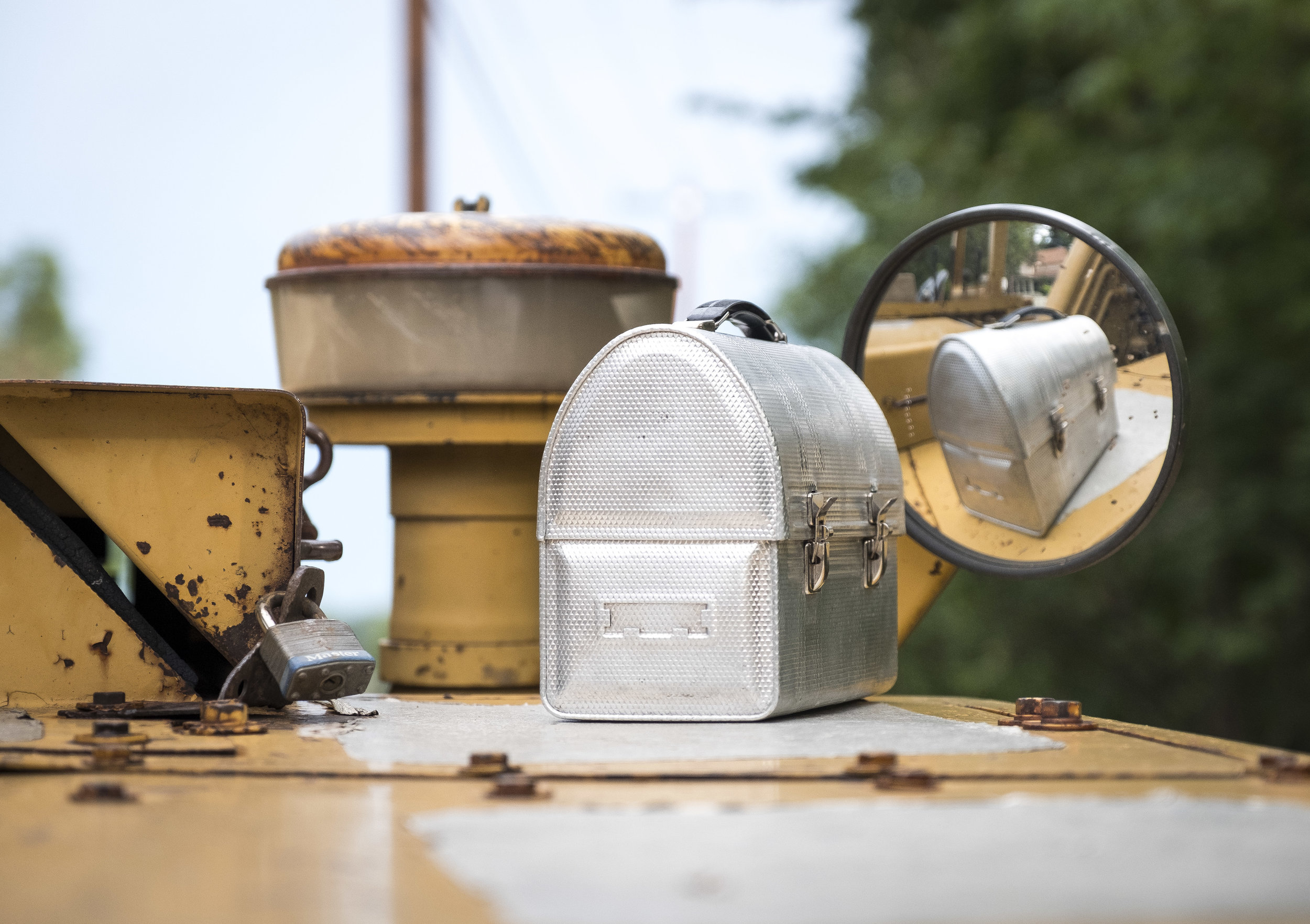 steel lunchbox reflect.jpg