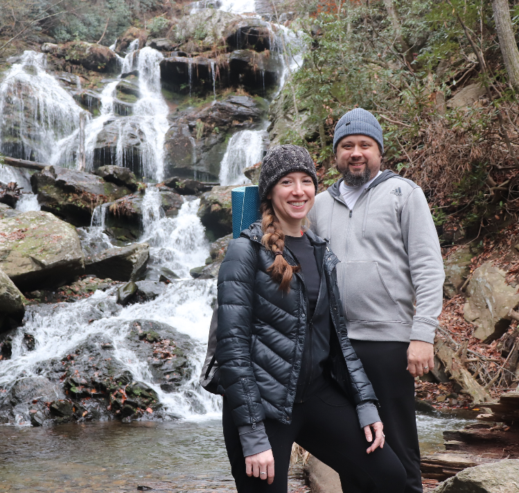 couples-yoga-hiking-retreat-asheville.png