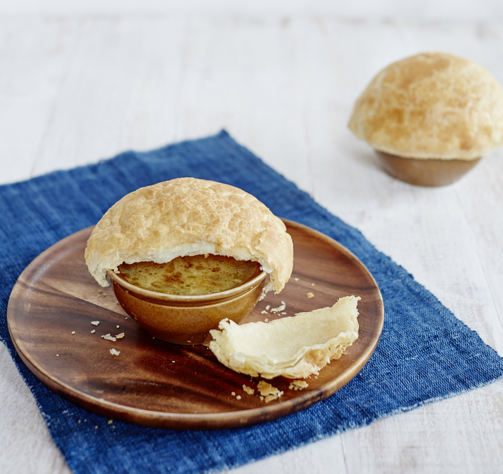 Signature Baked Onion Soup (Signature Baked Onion Puff Soup)