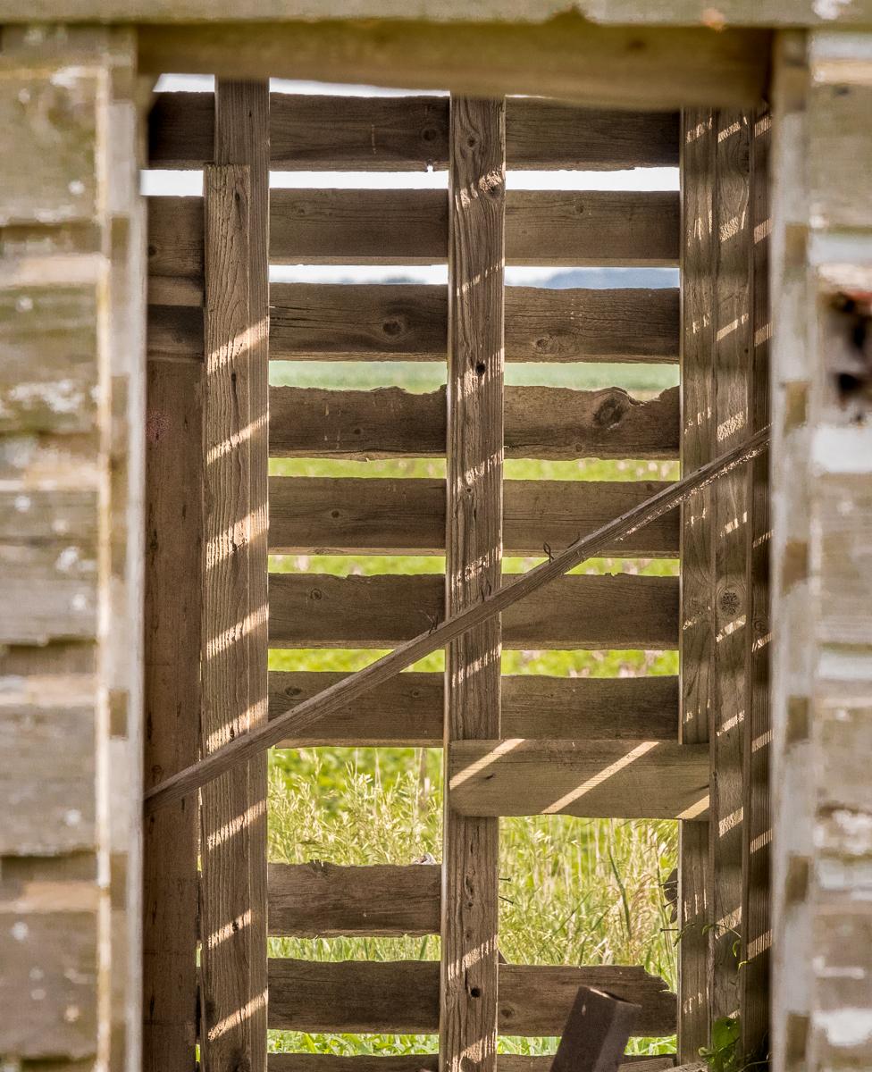 Doorway, Stark County corn crib