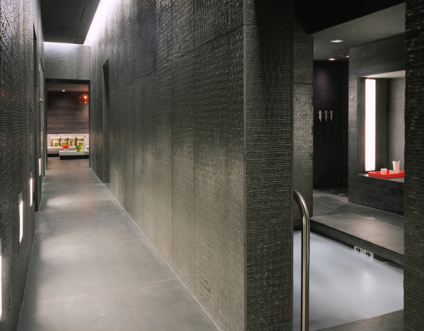 Private tub hall.jpg