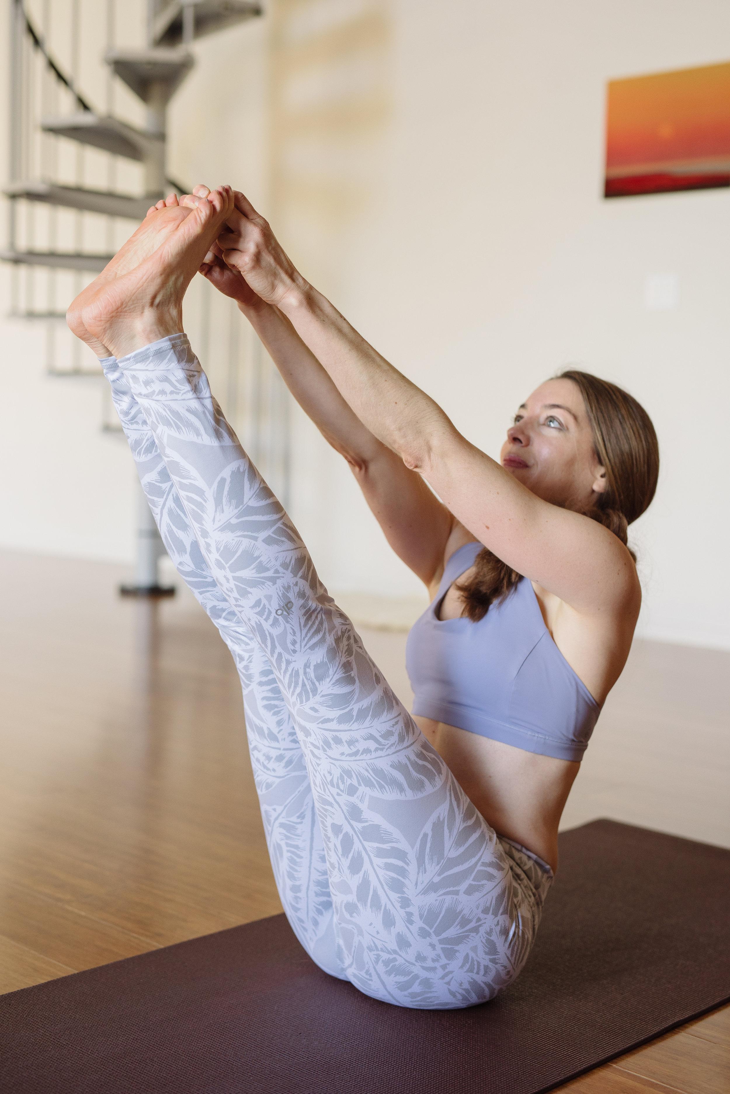 Nicole_Yoga (38 of 196).jpg