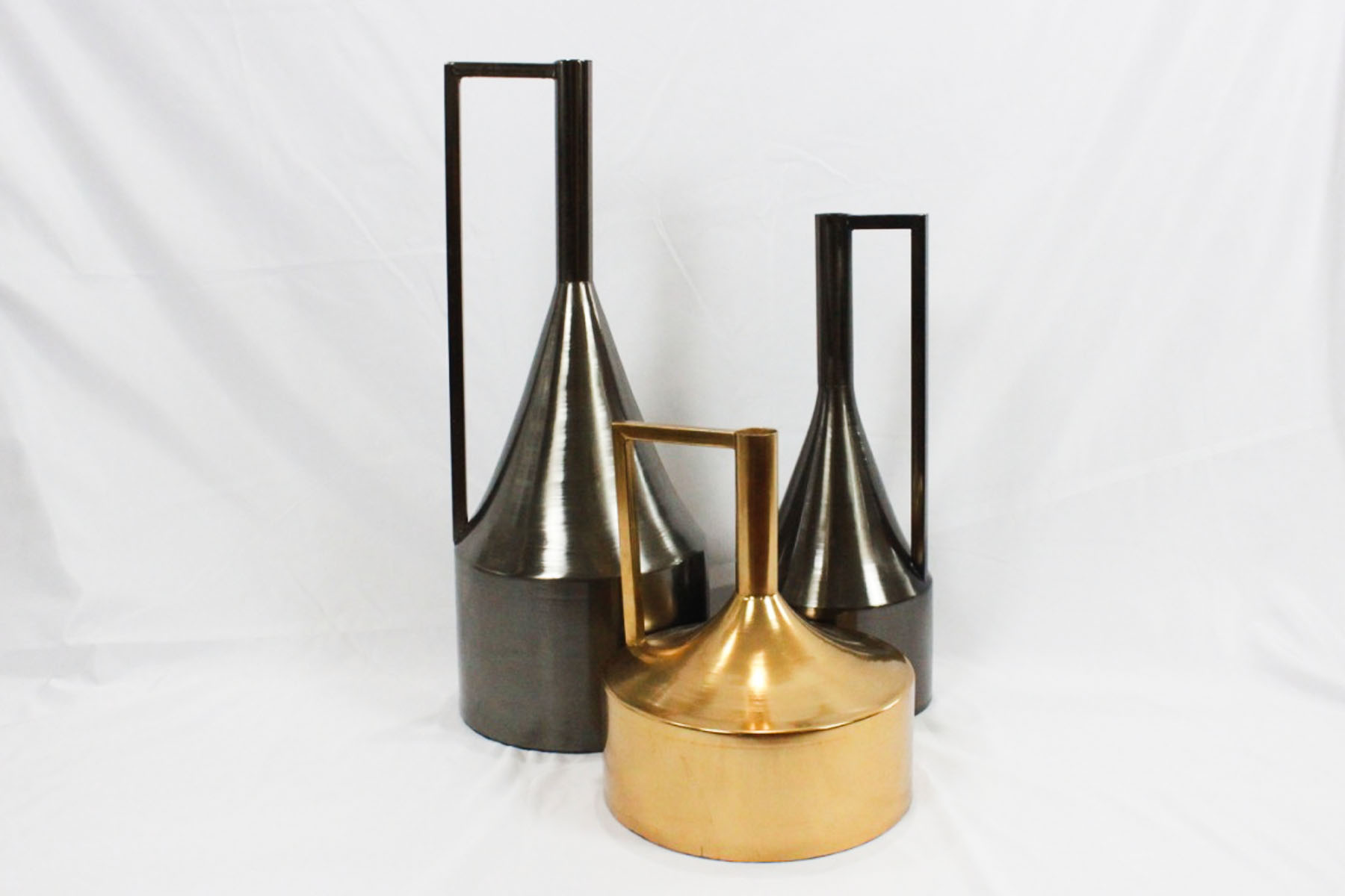 Zenon Metal Vases - Scavenged Vintage Rentals