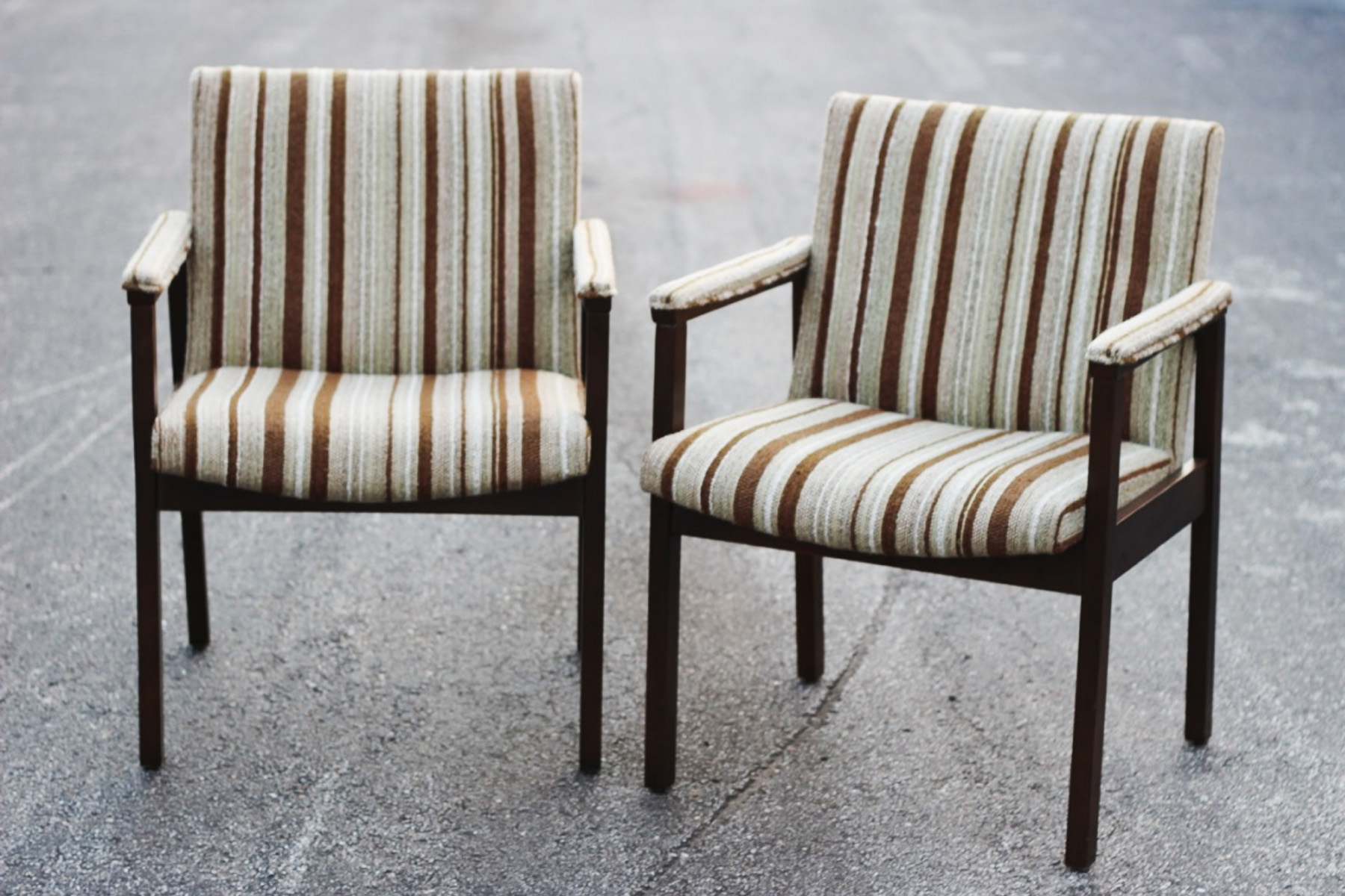 Amigo Chairs - Scavenged Vintage Rentals.jpg