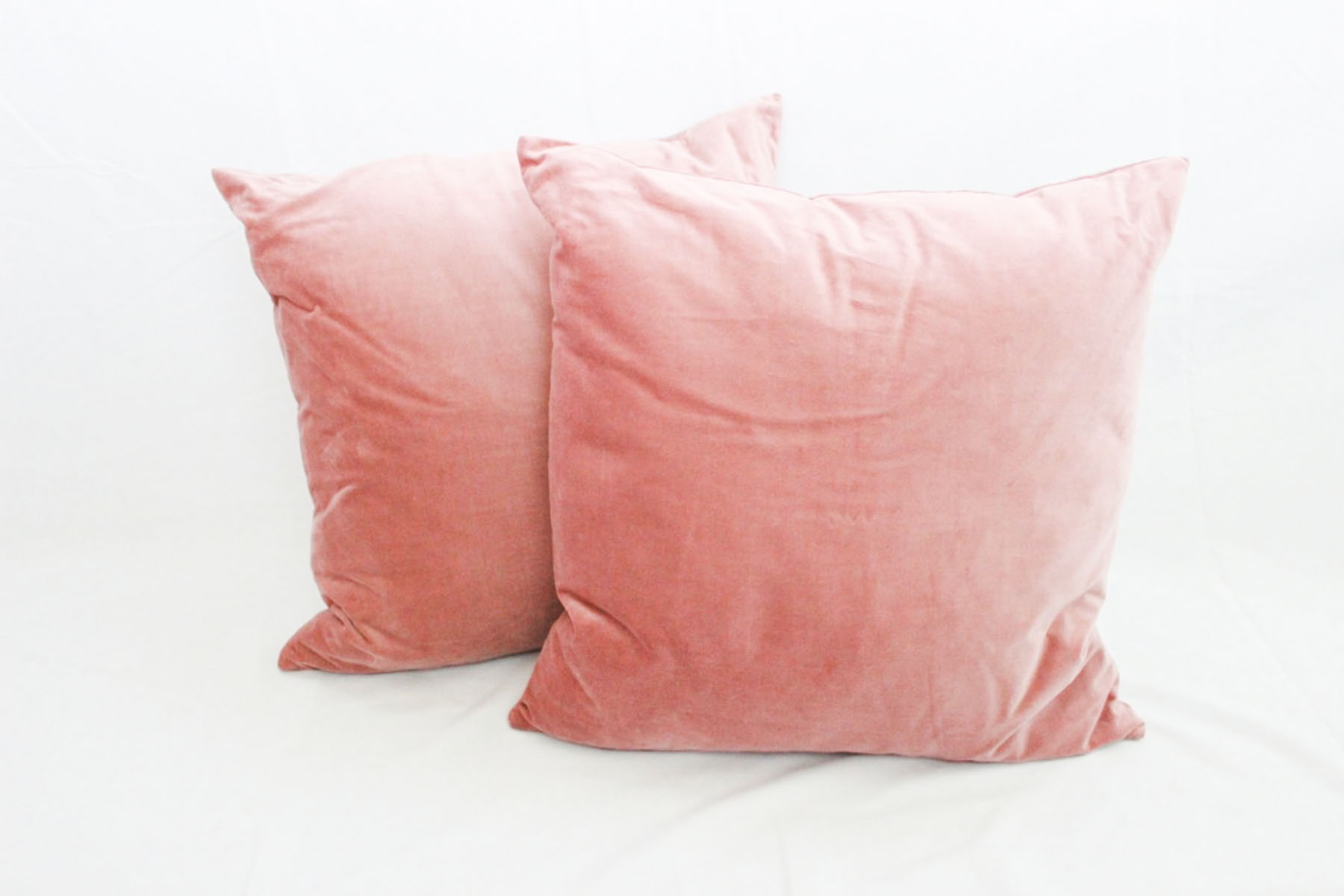 Blush Velvet Pillows - Scavenged Vintage Rentals