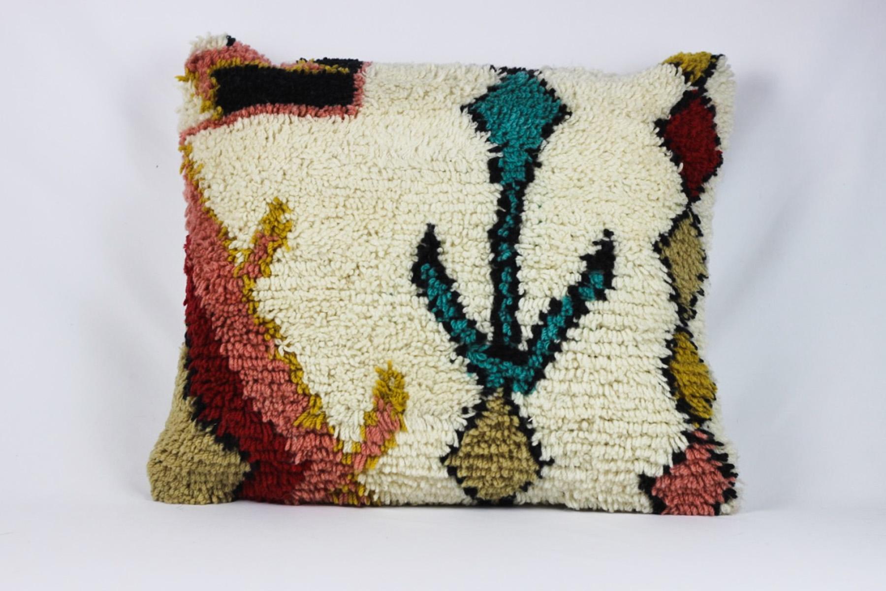 Mila Pillow - Scavenged Vintage Rentals