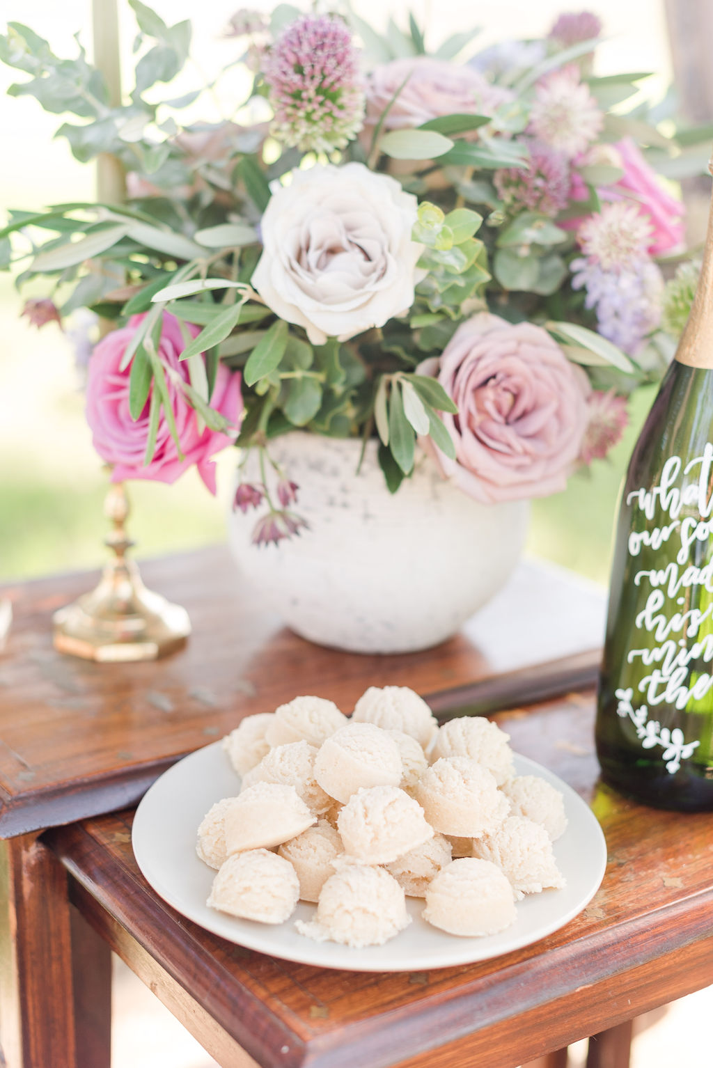 Tulsa Vow Renewal - Cookies and Flowers
