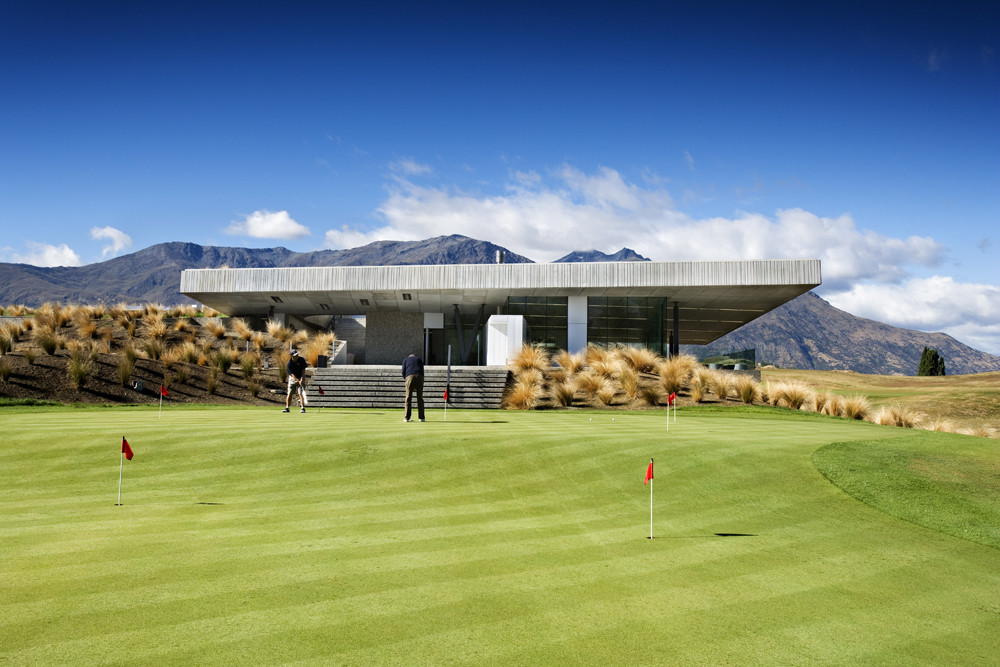 The Michael Hill Clubhouse in Queenstown. One of nine finalists at the World Architecture awards in 2008.