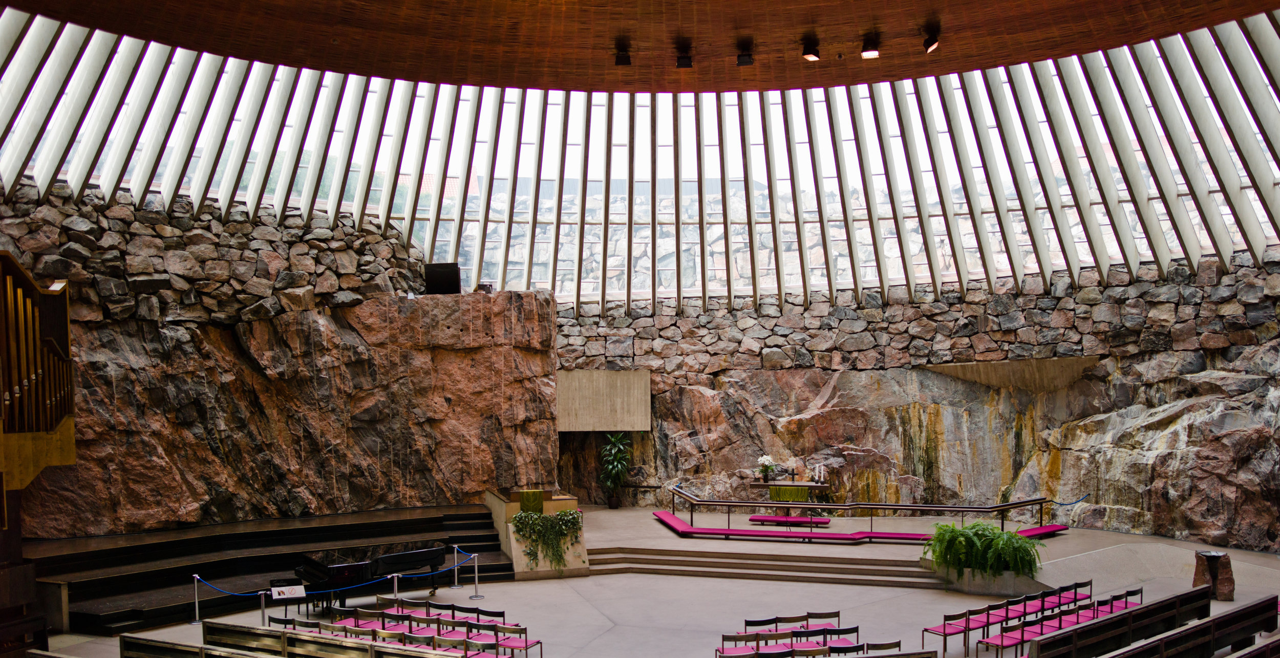 c868c670c6bc65d754be980facbd1dff-temppeliaukion-kirkko.jpg