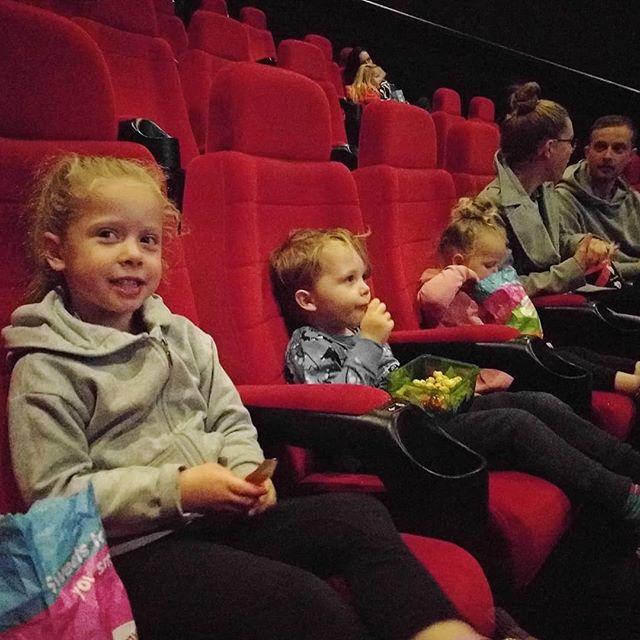 Lush cinema trip with Archers cousins Elsie & Edi 🤗 to see Peppa! #cineworld #yate #peppa @staceyhobbs @craigpower14