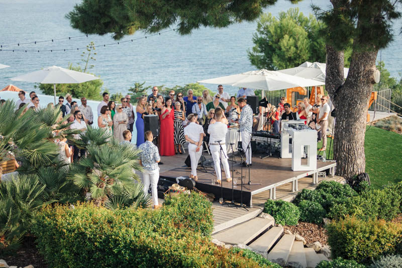 wedding day speeches overlooking the see in Sitges