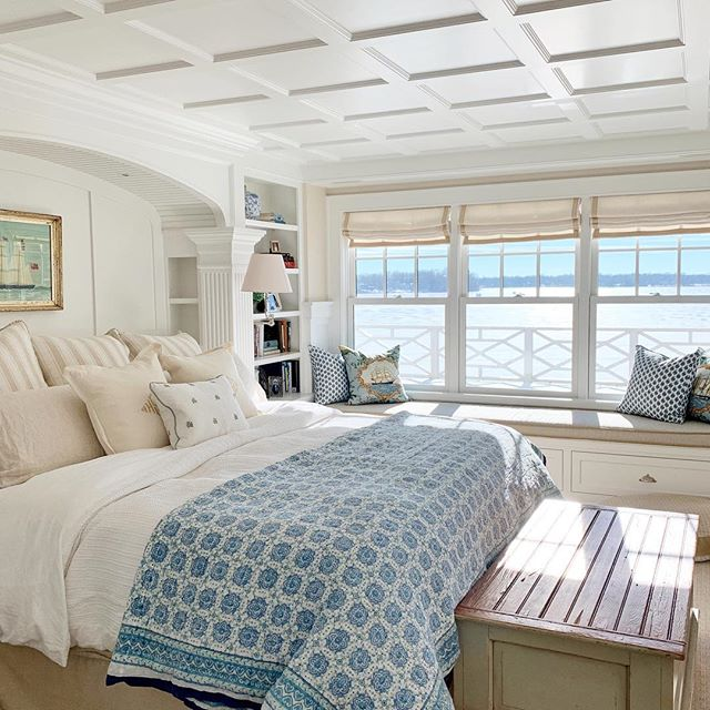 Here's another view of the master bedroom with a great view of the coffered ceiling. Fun fact-all of the beds in Mona Bina are built-ins created by @landschute Happy Monday insta! #cofferedceiling #masterbedroom #masterbedroomdesign