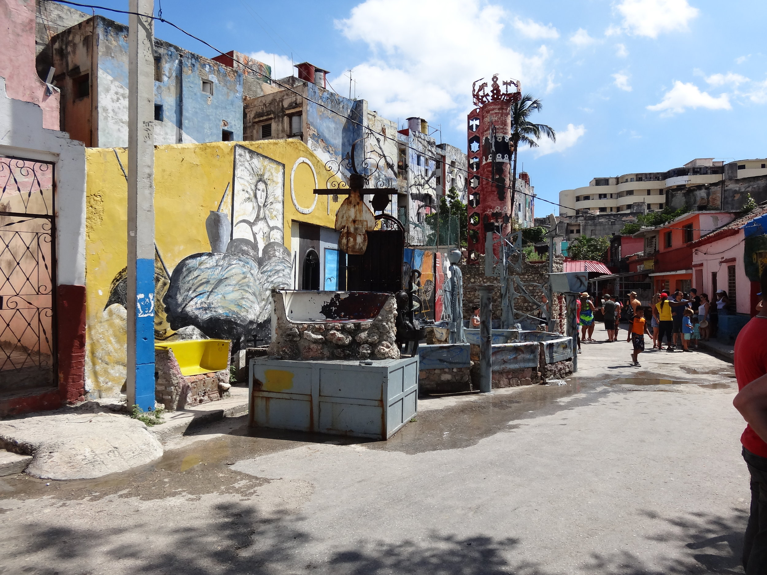 Callejón De Hamel - Go on a guided tour and discuss one of the epicenters of Afro-Cuban art and tradition. Surrounded by houses and buildings covered with large murals in vivid colors, the residents and visitors celebrate the widely-practiced religion of Santería.